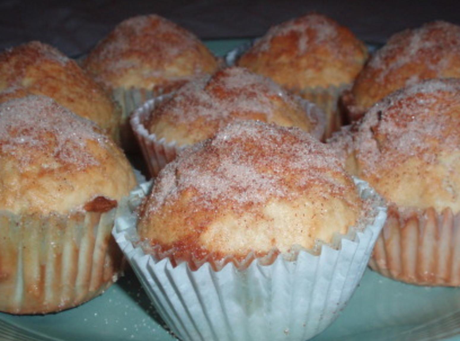Robyn Fischesser's Snickerdoodle Muffins