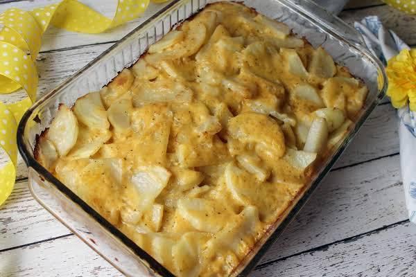 Sassy & Savory Au Gratin Potatoes