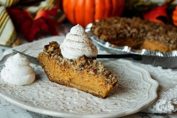 Easy Pumpkin Pie With Brown Sugar Topping